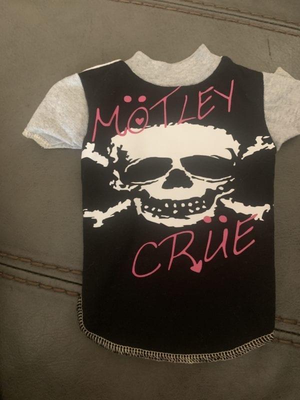 motley crue vintage dog shirt in xsmall
