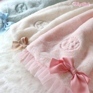 Hug Me Blanket by Wooflink
