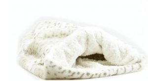 cream lynx with ivory curly cuddle bed
