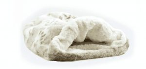 arctic snow with ivory curly cuddle bed