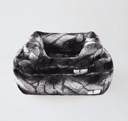 deluxe dog bed in chinchilla