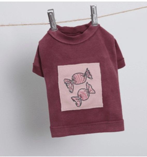 Applique Dog T-Shirt in Rose Wine